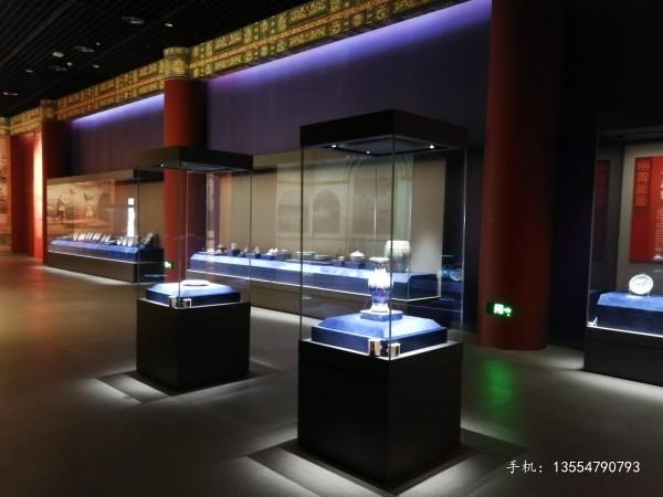 四面通透方形博物馆独立柜厂家